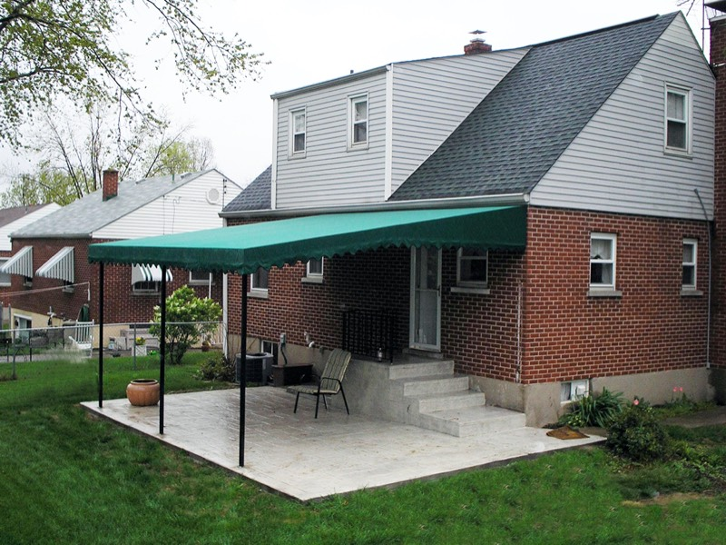 Patio & Deck Awning Photo